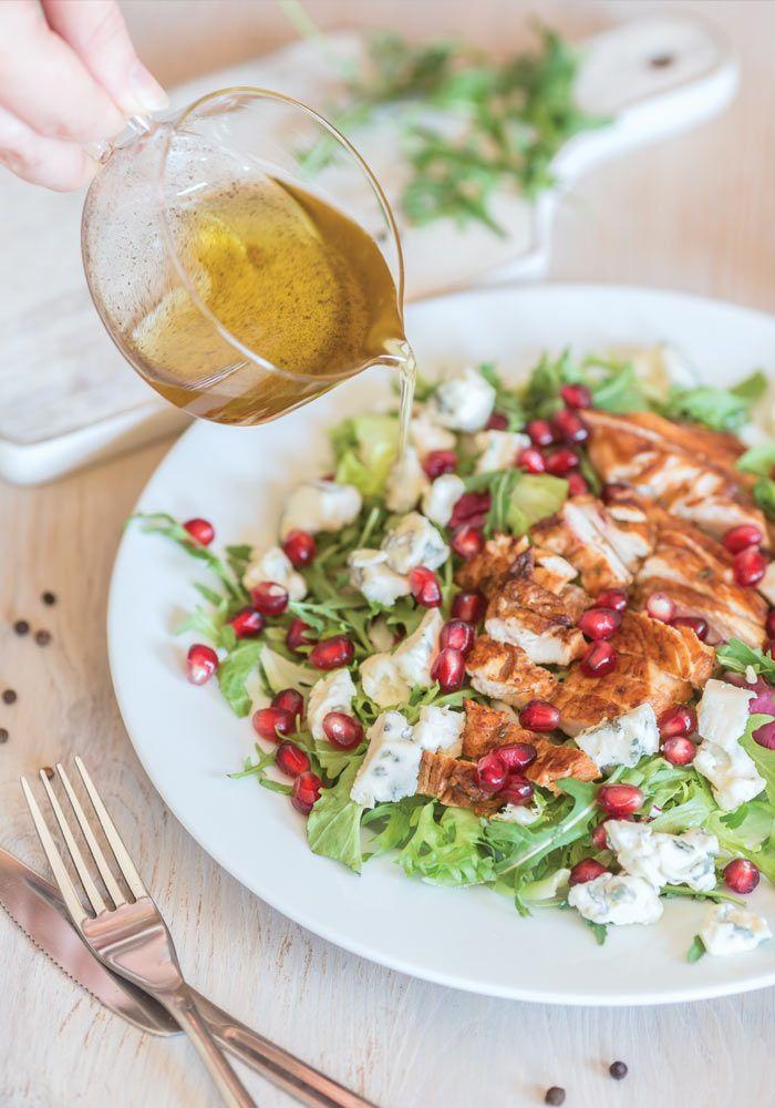 grilled chicken and pomegranate salad from jedzeniestygnie.pl