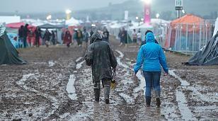 +++ Wetter-Chaos im News-Ticker +++: Extremer Starkregen: In NRW gilt jetzt die höchste Warnstufe - Hunderte verlassen Rock am Ring