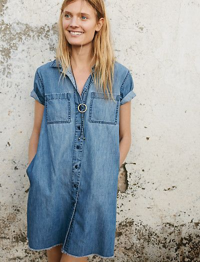 Women's Clothing : Denim, Shoes, Dresses, Bags & Jewelry | Favorite summer outfit | casual outfit | minimal outfit | simple outfit | comfy outfit | summer vacation outfit | summer travel outfit | summer street style | simple holiday outfit | pared down holiday looks | minimalist summer fashion | minimalist summer outfit ideasInvite