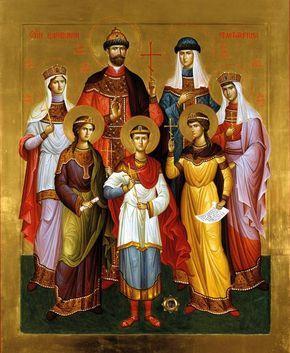 """Die stehen, für mich für alle die, """"im Wahn"""" ermordet worden sind. Die heilige Zarenfamilie erinnert mich an den Adel meine Seele (dieser ist unatastbar). """"Noblesse oblige"""". Der Adel der Seele, drückt sich nicht mit eine Krone aus, sondern mit dem respekt, die Nächsteliebe und die volle Überzeugung dass wir alle Kinder eines gleichen Vaters sind."""