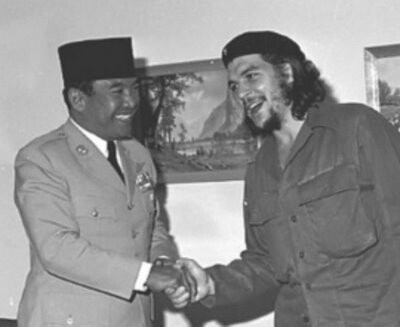 Sukarno, first president of Indonesia, and Che Guevara.