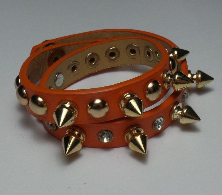 Bracciale pelle arancione borchie dorate spuntoni heavy metal rock punk in Abbigliamento e accessori | eBay