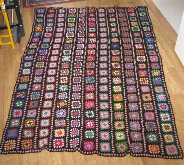 Filt av mormorsrutor i många färger