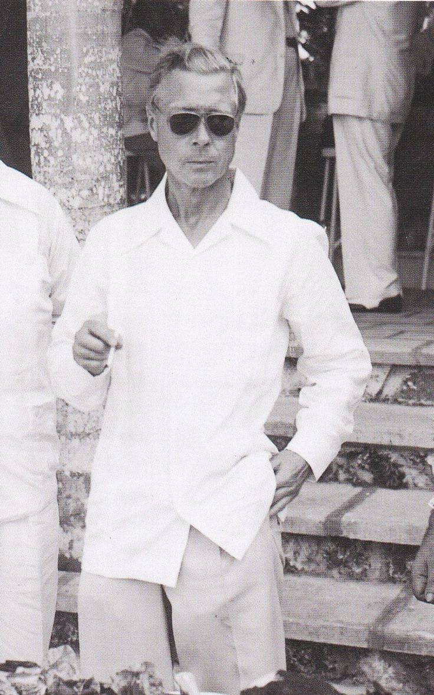 David (Mr. Wallis Simpson) pulling off the movie star look  - Bahamas - war years (WWII)