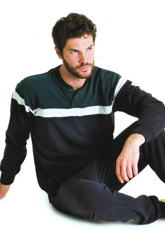 Pensado para los más frioleros de casa, éste pijama para hombre confeccionado con tejido térmico-polar, es como una segunda piel.  ¡Muy calentito!