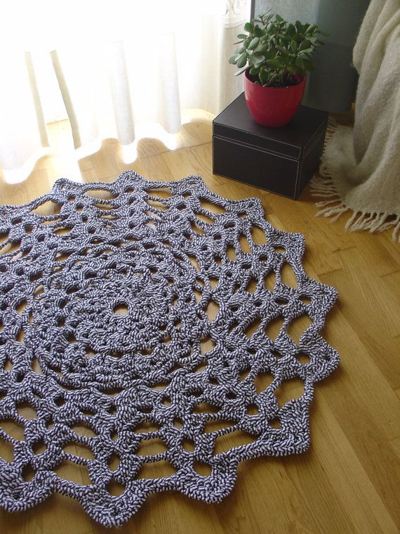 More #crochet doily rugs. what a great idea . making rugs out of doily's .