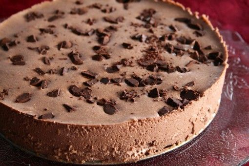 Chocolate No Bake Cheescake - healthy and decadent! Once slice for 200 calories!