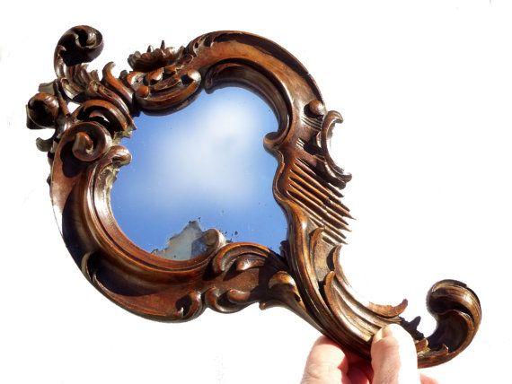 Antique miroir à main en bois sculpté Baroque boudoir français