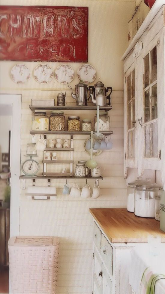 EN MI ESPACIO VITAL: Muebles Recuperados y Decoración Vintage: blanco/white