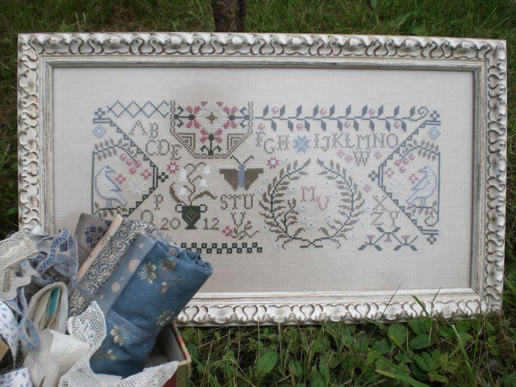 130 best gurutze puntu punto de cruz cross stitch for Christmas garden blackbird designs