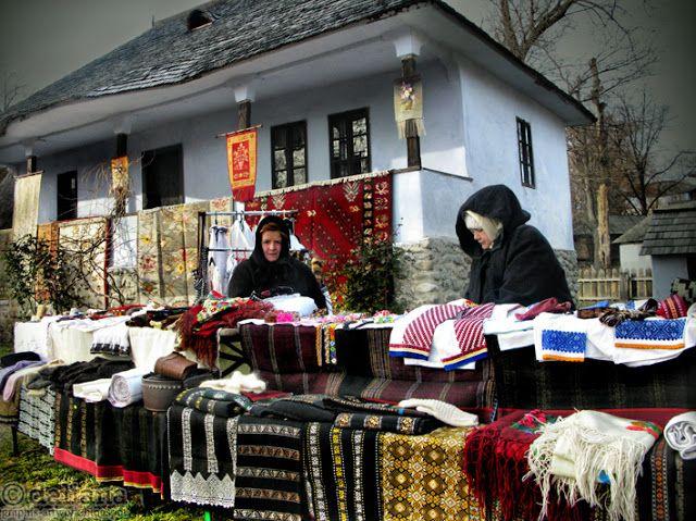 Photographis: Romanian Winter Traditions / Traditii Romanesti
