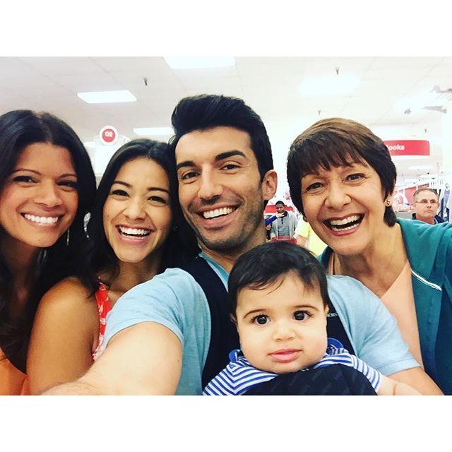 Andrea Navedo, Gina Rodriguez, Justin Baldoni, and Ivonne Coll