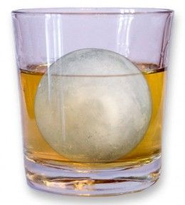 The quality of the ice you use can make a direct impact to the quality of your whiskey tasting experience.