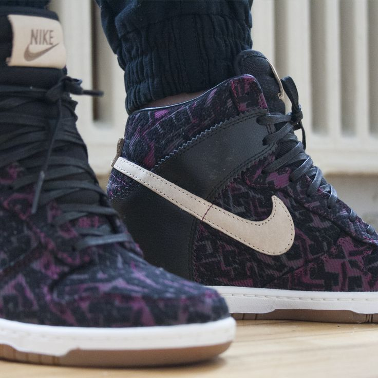 Women's Nike Dunk Sky High