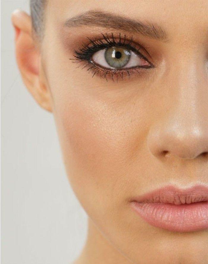 quel maquillage pour yeux verts bleus, fard a paupiere en marron doré