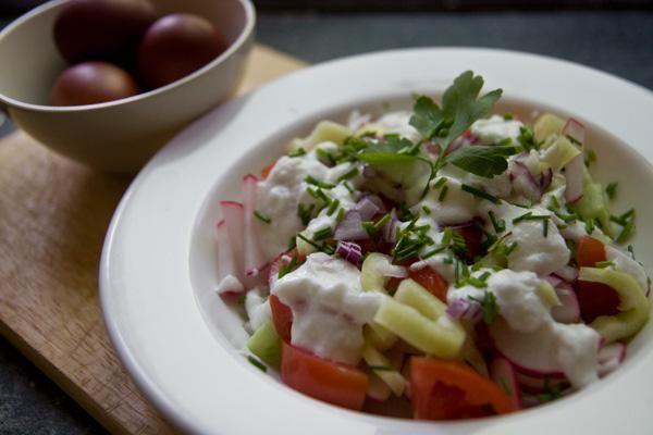 Húsvéti vitaminsaláta fokhagymás öntettel (Főtt sonkához kitűnő) recept képekkel
