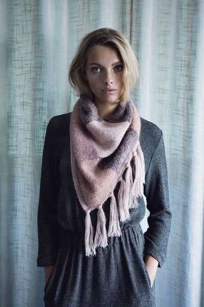 Ghita tørklæde - Kvinder - Helga Isager - Designere