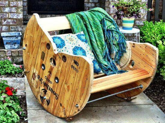 Cable Spool into Rocking ChairRocks Chairs, Rocker, Rocking Chairs, Spools Chairs, Wooden Spools, Cool Ideas, Furniture, Cable Spools, Diy