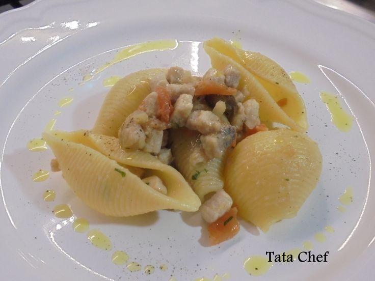 CONCHIGLIONI AL RAGU' DI SMERIGLIO | Tata Chef