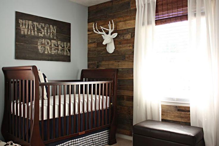eeeek! i love everything about this nursery.  cant go wrong with reclaimed wood. Кой каза,че детската стая трябва да е бяла? По-късно леглото може да стане диванче, дори не трябва да се пребоядисва, само се маха предната скара.