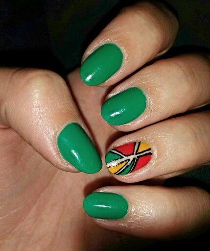 Green with geometric accent   / Zielone z geometrycznym akcentem