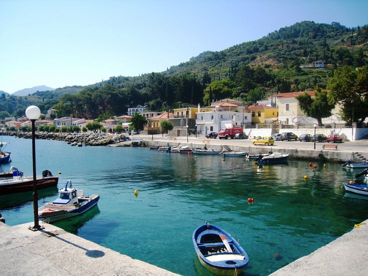 Agios Konstantinos is a small fishing village built upon the sea front on the North part of Samos Island. It is surrounded with fruit trees, olive trees, vineyards and the water is plenty. #samos #agios_konstantinos #samos_island #greece