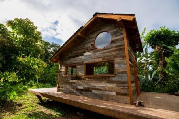 こちらはハワイに住む芸術家が建てたもの。大きさはなんと5.6坪。