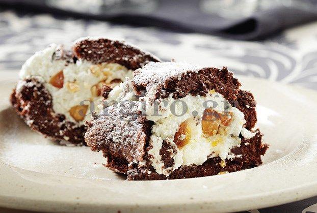 Κορμός σοκολάτας με καραμελωμένα αμύγδαλα και κρέμα γάλακτος ΝΟΥΝΟΥ