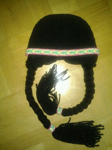 Crochet indianhat with braids. DIY