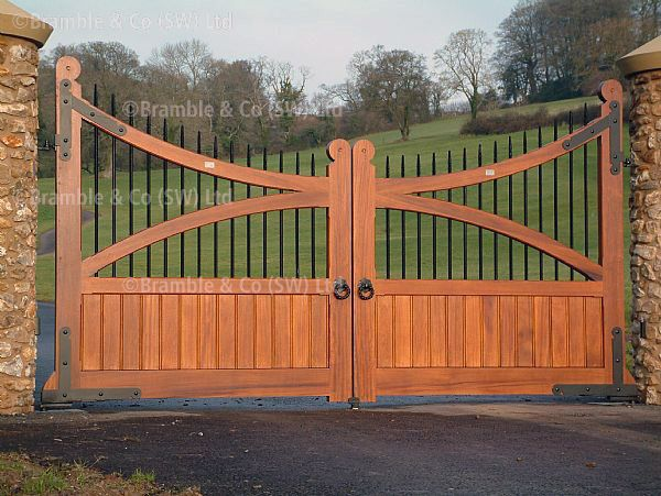 wooden gates | ... to zoom in and get an idea of the wooden gates we can craft for you