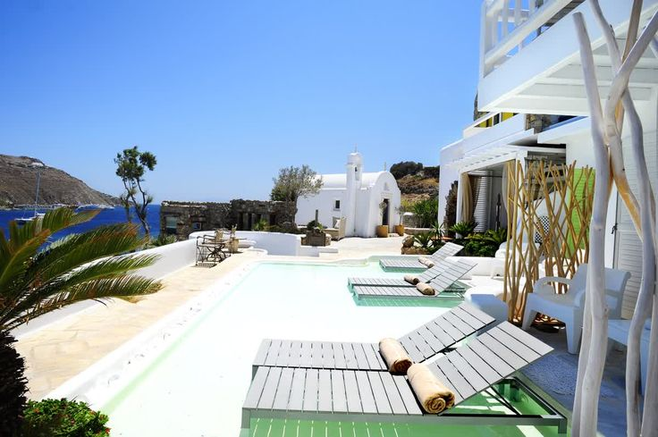 Celebrate your love at #kivotosmykonos: champagne breakfast in room, couples massage on the private beach, candlelight dinner on the hotel's private beach, romantic picnic basket for the beach, VIP airport transfers. Don't miss this offer http://qoo.ly/fmz84 #mykonos #romance #offer #luxuryhotels