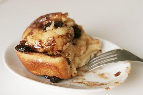 Pan di kokolishi (kaneelbroodjes in schelpvorm)  antilliaans-eten.nl