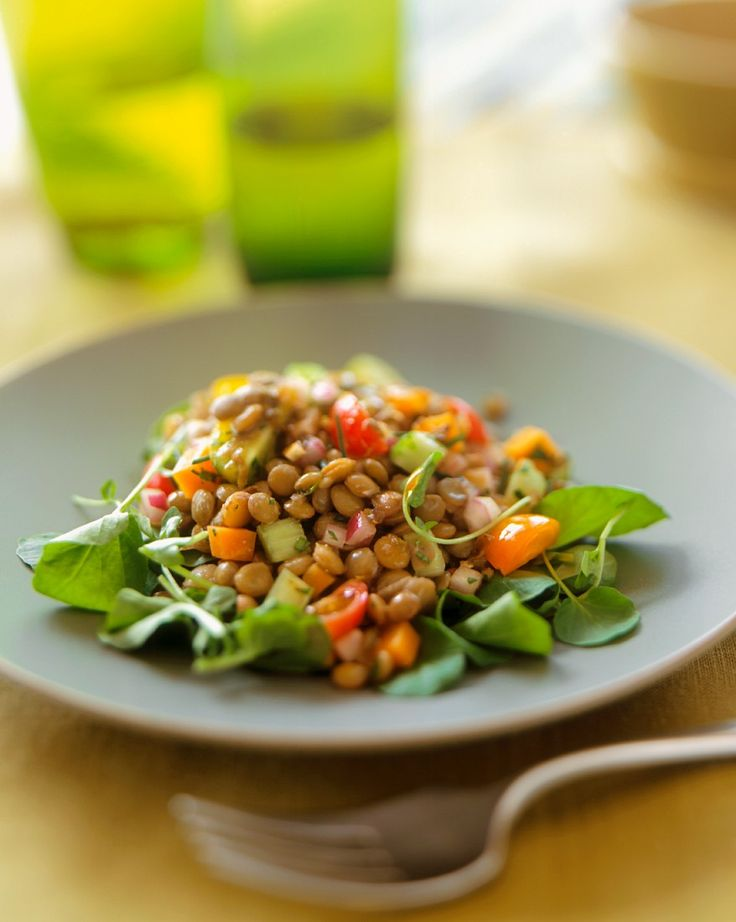 Linsensalat in der Frühlingsedition: http://eatsmarter.de/rezepte/linsensalat-20