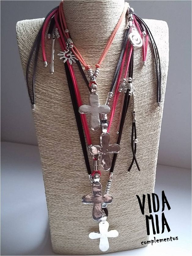 Cruces - Colgante de cruz - hecho a mano por VIDA-MIA-complementos en DaWanda