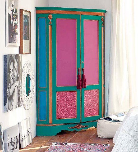 Muebles llenos de color para espacios especiales qu os - Armarios roperos antiguos ...