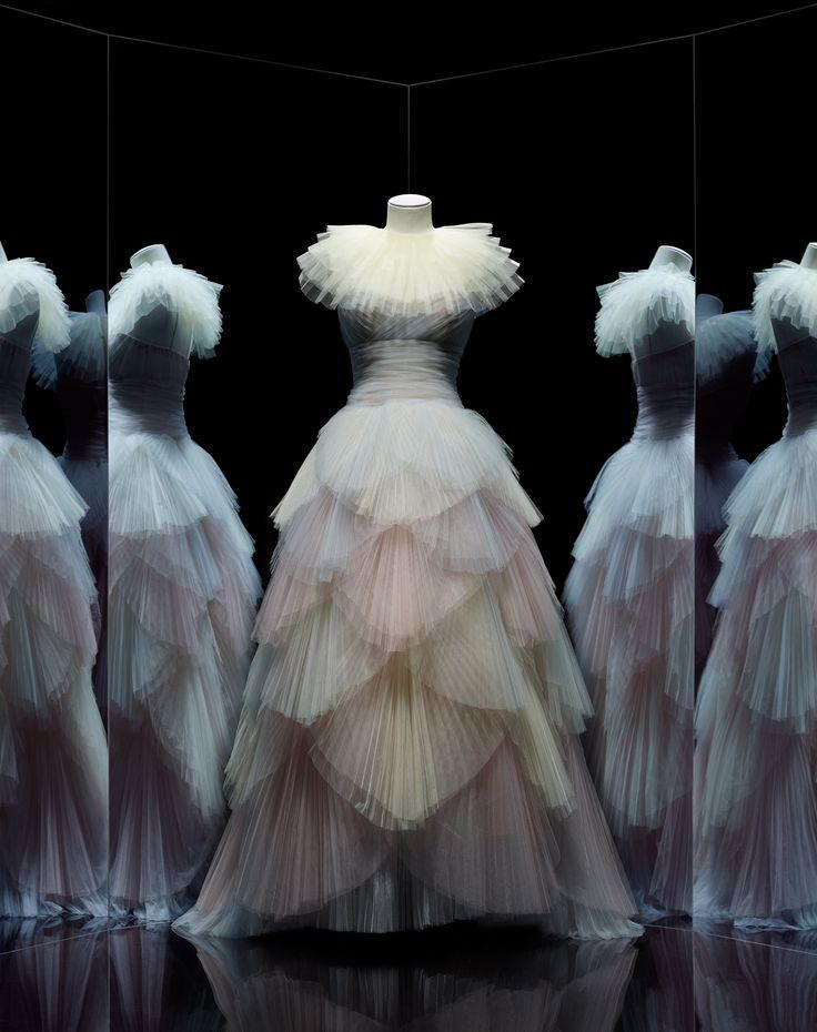 Maria Grazia Chiuri pour Christian Dior, robe New Junon, collection haute couture printemps-été 2017 © Photo Les Arts Décoratifs, Paris / Nicholas Alan Cope
