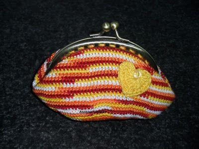 Rendas da Mãe: Bolsa / Porta moedas de croche com fecho da vóvo