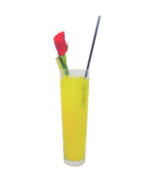 Ladykiller Cocktail 3 cl Gin 1,5 cl Cointreau (oder Triple sec) 1,5 cl Apricot Brandy Ananassaft (zum auffüllen) Maracujasaft (zum auffüllen) Zubereitung Alle Zutaten werden in einen Boston Shaker auf Eiswürfeln gegeben. Mit Ananassaft und Maracujasaft wird je zur Hälfte aufgefüllt. Nun etwa 10 Sekunden shaken. Anschließend in ein Becherglas was mit Eiswürfeln bis zur Hälfte gefüllt ist mit einem Strainer abseihen. Zur Deko eignet ...