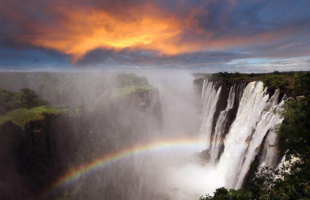 海外旅行世界遺産 ヴィクトリアの滝の画像 ヴィクトリアの滝の絶景写真画像ランキング  ジンバブエ