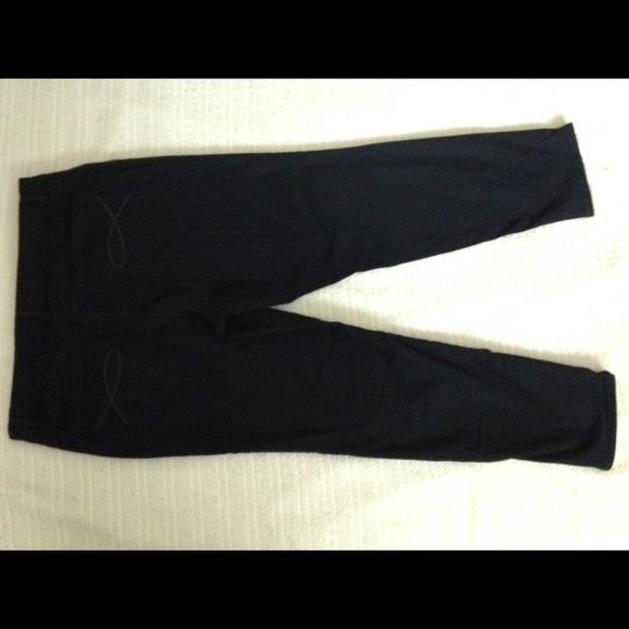 Gloria Vanderbilt black stretch Ankle Grazer jeans Super comfortable stretch jeans with plenty of room for what you've got in the trunk and nice fit in legs, narrower at the ankle.  These look really cute with either heels or flats. Gloria Vanderbilt Jeans Ankle & Cropped