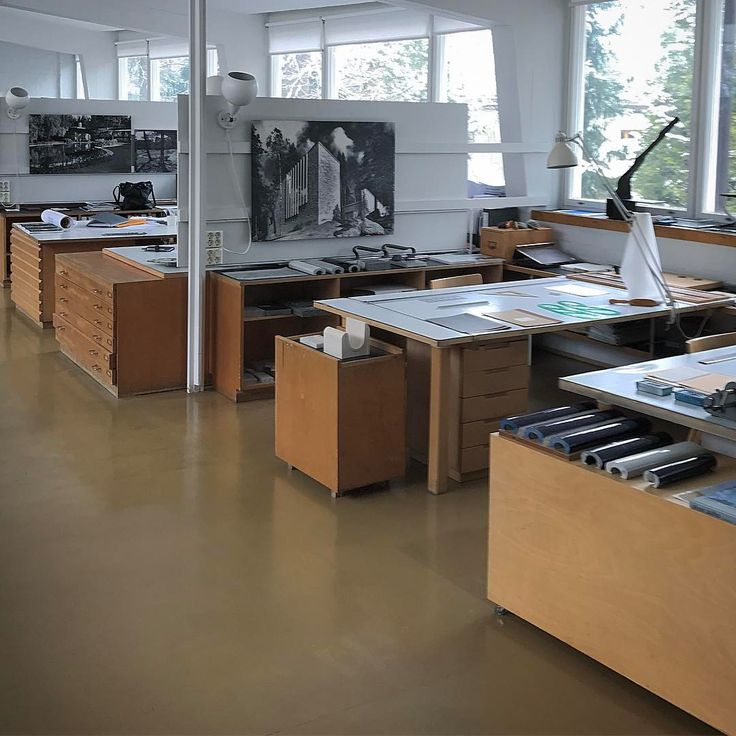 "3,567 curtidas, 14 comentários - Guilherme Torres (@guilhermetorres) no Instagram: ""Aalto's studio still working! Amazing! Such a great legacy, bigger than a life. #alvaraalto…"""