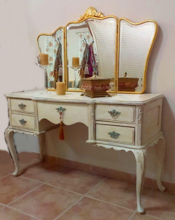 M s de 1000 ideas sobre tocador antiguo en pinterest - Reciclar muebles antiguos ...