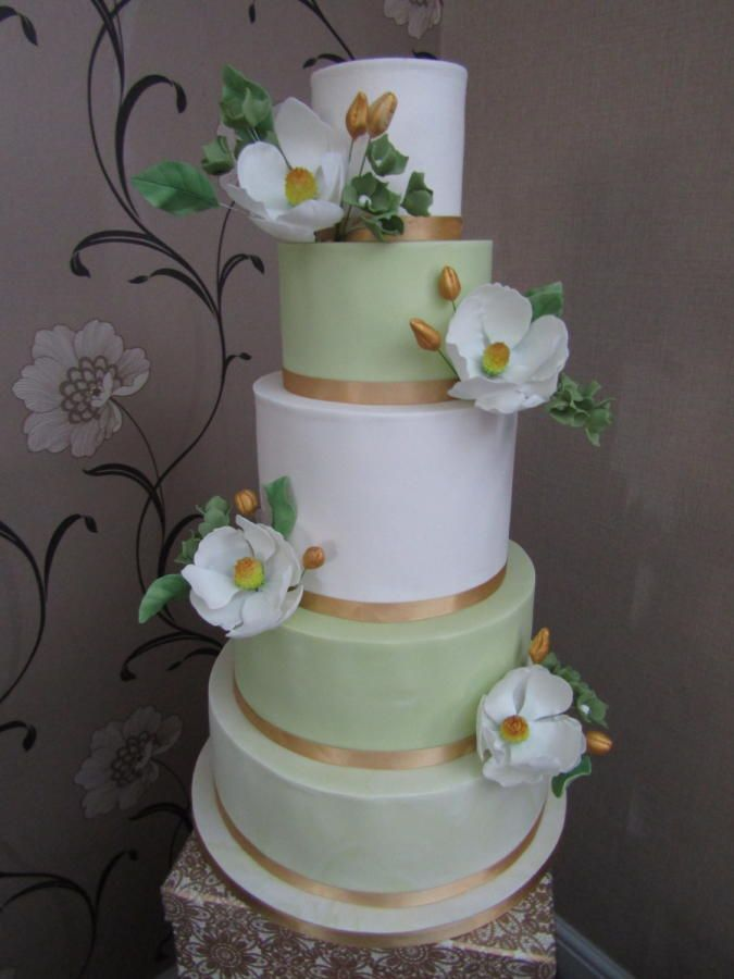 White & green wedding cake by Mimi's Sweet Treats - http://cakesdecor.com/cakes/303784-white-green-wedding-cake