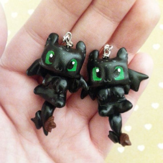 Toothless earrings- polymer clay hand scupted, hand painted