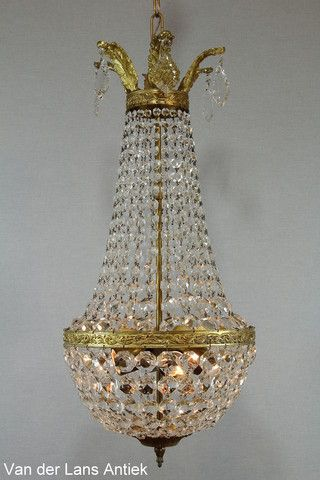 Klassieke kroonluchter 25556 bij Van der Lans Antiek. Meer antieke lampen op www.lansantiek.com
