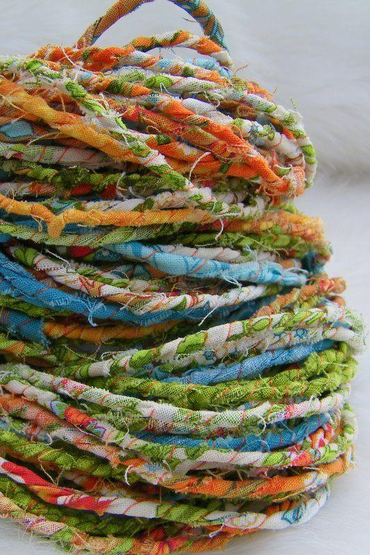 handspun rag yarnSpinning Wheels, Rag Yarns Pretty, Art Textiles, Fabrics And Yarns, Fabrics Yarns Crochet, Sources Unknown, Fiber Art, Handspun Rag, Hands Spun