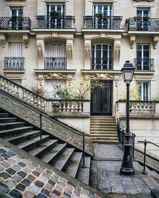Paris   ..rh