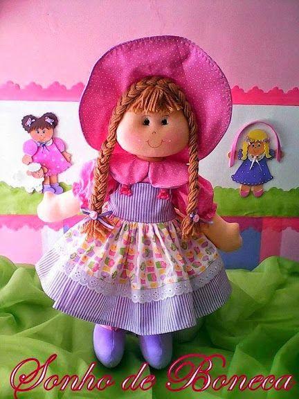 Patrón de muñeca de trapo con pamela. Ropa y pamela incluidos.