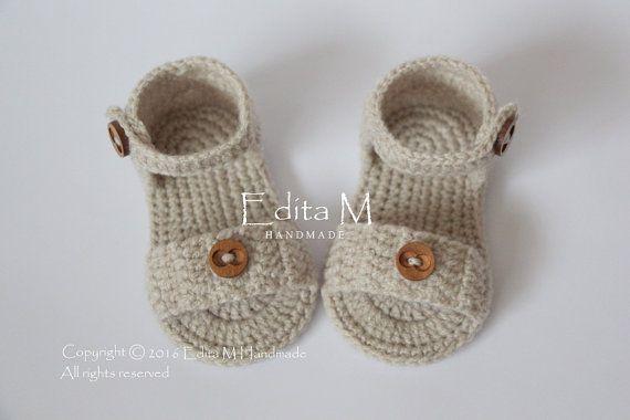 Uncinetto bambino Sandali, sandali da gladiatore, stivaletti, scarpe, Pantofole, estate, marrone chiaro, regalo, bottoni in legno, pronto alla nave, dimensione 3-6 mesi