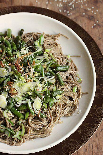 Sesame Asian Noodle Salad by vintagekitchennotes #Salad #Asian #Sesame